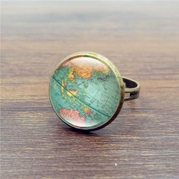 Art World Map, Vintage Globe Ring Planet Earth