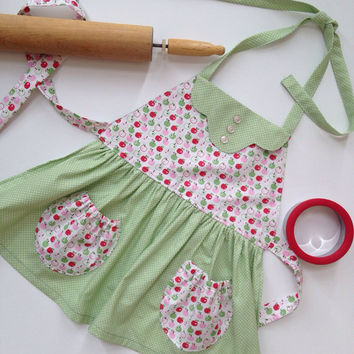Vintage Inspired Apron for Girls, Apple Apron, Girls Vintage Apron, Girls Retro Style Apron