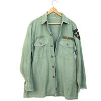Vintage Army Shirt Distressed Military Shirt w PATCHES Drab Green 80s Army Surplus Grunge Punk Hipster Top 1980s Vintage Men's Small Medium