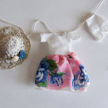 Fairy Garden Accessory, Miniature Clothesline featuring a Fairy Tea Party Dress, Sun Hat and Pantaloons