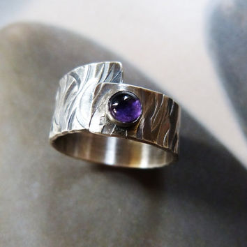 Amethyst ring, purple stone silver ring, handcrafted ring, metalwork statement ring, OOAK jewelry, rustic ring