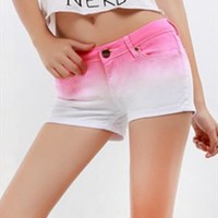 Gradient Color Denim Shorts/ Pink from pomelo
