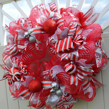 Deco Mesh Christmas Wreath, peppermint xmas wreath, Red Silver holiday wreath, candy wreath, Christmas Decor Holiday decor