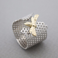 925 Sterling Silver Beautiful Honeycomb and Honey Bee Hexagon Geometri