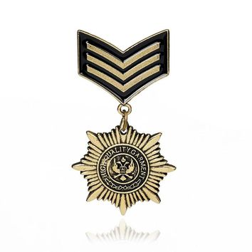 Gothic Bronze Military Medal Brooches Pins for Men Military Pins And Badges suit Accessories
