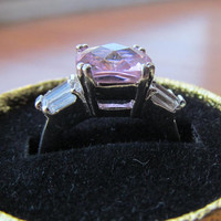 Pink cubic zirconia NV cocktail ring vintage 1980s