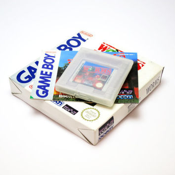 WORMS, Retro Nintendo Original Gameboy Cartridge. In Good Working Condition. Includes Original Box and Manual Booklet.