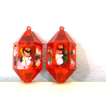 Vintage Diorama Ornaments / Jewel Brite / Red Plastic Ornaments / Christmas Decor / Snowmen Ornaments