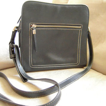 Liz Claiborne black faux leather shoulder bag, like new, ships from US, designer unisex shoulder bag, multi compartment handbag, travel bag.