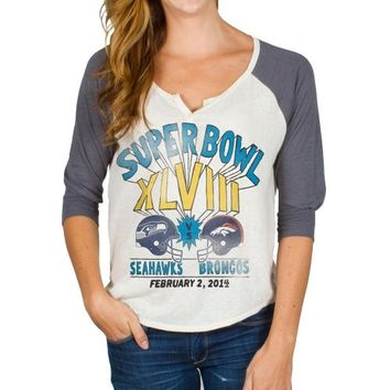 Junk Food Denver Broncos vs. Seattle Seahawks Super Bowl XLVIII Ladies Dueling Helmets Three-Quarter Raglan T-Shirt - White/Charcoal
