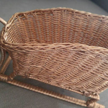 Santa sleigh basket-wicker sleigh basket-wicker christmas basket