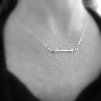 silver arrow necklace. sterling silver necklace. arrow pendant. small simple everyday jewelry. delicate choker. modern minimalist necklace.