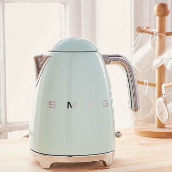 Smeg Electric Kettle - Urban Outfitters