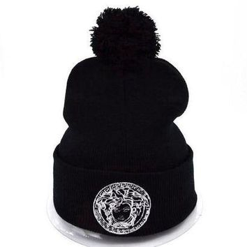 onetow One-nice? Perfect Versace Women Men Embroidery Beanies Winter Knit Hat Cap