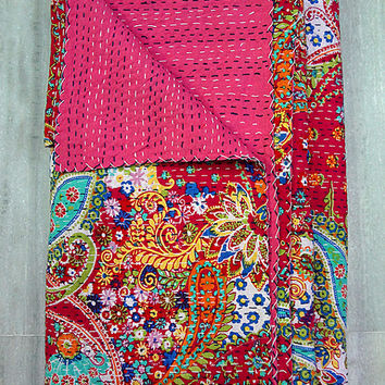 Vintage Kantha Quilt, Pink Paisley Indian Cotton Handmade Bedspread Blanket, Reversible Gudri Ralli Hippie Coverlet, Vintage Decor Art