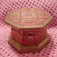 Octagon Shaped Wooden Jewelry / Trinket / Vanity Hinged Box With Square Design