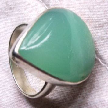 Vintage Sterling silver and chrysoprase ring 1