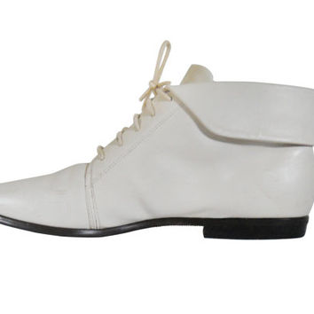 Pixie Boot Size 10 Boot Women Ankle Boot White Boot Lace Up Boot Boho Chic Bohemian Boot Fashion Boot 80s Boot 90s Boot Ladies Boot Shoe