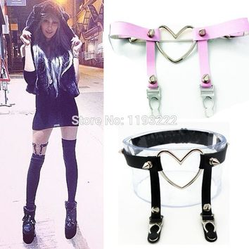 Punk Rock Spike Studded Single Row Handmade Large Big Heart Silver Metal Shaped Leather Thigh Leg Garter Belt Ring Harness