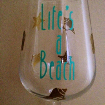 Personalized Wine Glass, Custom Wine Glass, Beach Wine Glass, Ocean Wine Glass, Seashell Wine Glass
