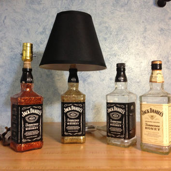 Jack Daniels Whisky Liquor Bottle Lamp   Great for Man Cave Bar or Dorm