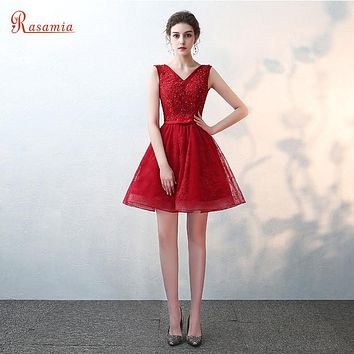 V Neck Red Mini Cocktail Dresses Purple Champagne Short Prom Dress Lace Party Gowns Robe De Soiree Curto Graduation VestidosGQ90