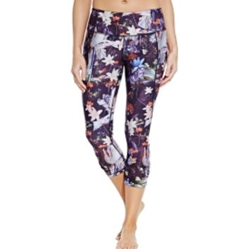 CALIA by Carrie Underwood Women's Essential Printed Tight Fit Capris | CALIA Studio