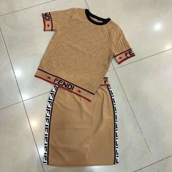 Fendi 2019 early spring new casual round neck pullover jacquard short sleeve + knit bag hip skirt two-piece