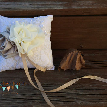 Pillow, Wedding, Wedding Ring Pillow, Country Wedding, Ringbearer, Rustic, Favor,  Bride, Wedding Rings, Ring, Pillow, Vintage, Ring Pillow