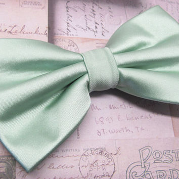 Mens Bowtie. Dusty Mint Ties. JCrew Inspired Dusty Shale Green Bowtie With Matching Pocket Square Option