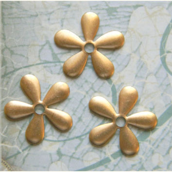Raw Brass Daisy Flower Stamping Embellishment 17mm - 6 pcs.