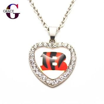 1pcs Fashion Cincinnati Bengals Football Sports Charms Heart Crystal Necklace Pendant With 50cm Chains For Women Men Diy Jewelry