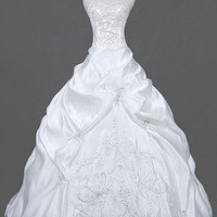 A-line/Princess Sweetheart Chapel Train Satin  Wedding Dresses With Embroiery Ruffle Beading Free Shipping