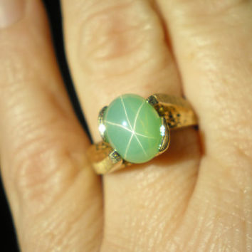 Vintage 14 kt Gold Mint Green Linde Star Sapphire Ring Size 7