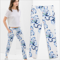 White Floral Blue Print Zipper Waist Pants