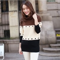 Women : 3-colored crocheted sweater YRB0613