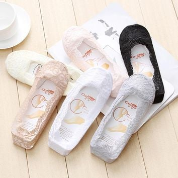 Fashion Sexy Lace Warm Breathable Cotton Girl Women's Socks Ankle Low visible Color Girl Hosier 1 Pair Sockings For Women