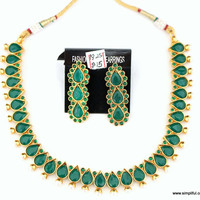 Emerald Green Tear Drop Kemp Necklace with Stud Earring