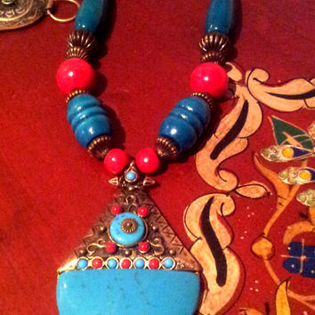 Traditional Moroccan Necklace hand made in Morocco.
