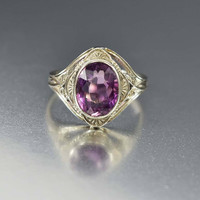 Vintage Art Deco White Gold Amethyst Ring