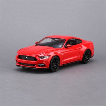 maisto Mustang 1:24 Model Car Mustang GT Blue Red 1:24 Metal Racing Vehicle Play Collectible Models Sport Cars toys For Gift