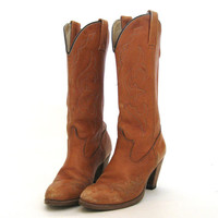 vintage Perfectly Worn DINGO Cowboy Boots .....Size 6