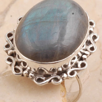Magnificent Labradorite Ring in 925 Sterling Silver