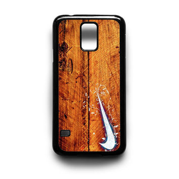 Nike Logo in Wood Samsung S5 S4 S3 Case By xavanza