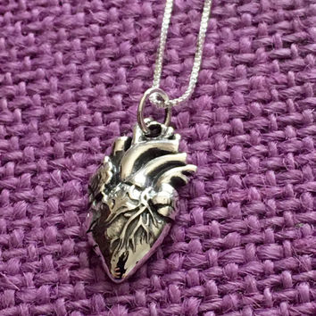 Anatomical heart Necklace - Human Heart Necklace - Medical jewelry - Cardiologist - Cardiology - Doctor - Heart Surgery Open Heart
