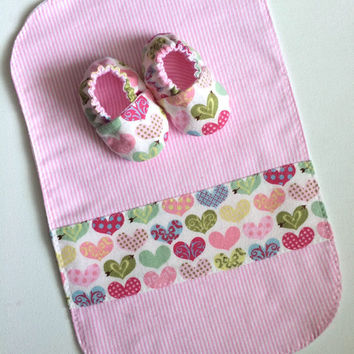 Newborn Baby Gift Set - Flannel Burp Cloth and Baby Shoes - Pink Hearts - Baby Shower Gift - Burp Rags - Baby Booties - Newborn Baby Shoes