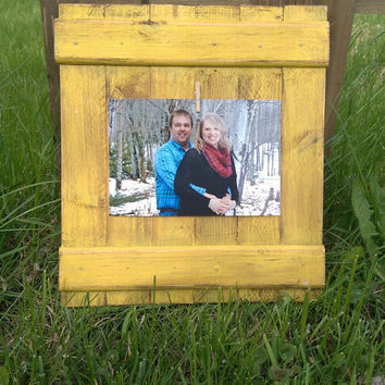 4x6 Distressed Clothespin Picture Frame