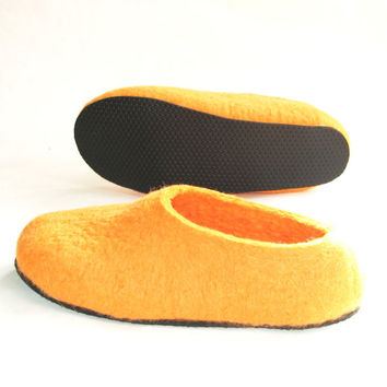 On Sale - Womens Felt Slippers - Gift for Mom - Orange Gift - House Shoes / Clogs - Autumn Fall Winter Fashion - Made to Order - Rubber Sole