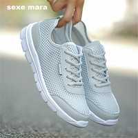 Men's Breathable Solid Color Light-Weight Tennis Shoes