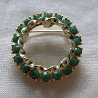 Green Glass Stone Pin